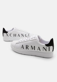 Armani Exchange - Sneakers basse - white/black