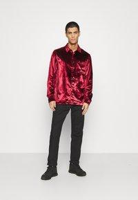 Topman - OXBLOOD - Formal shirt - red - 1