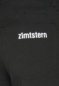 Zimtstern - PEDALZ CHINO SHORTS - Sports shorts - pirate black - 2