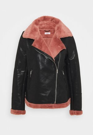 LADIES COAT - Faux leather jacket - black/pink