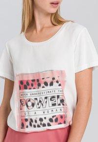Marc Aurel - Print T-shirt - off white varied - 3