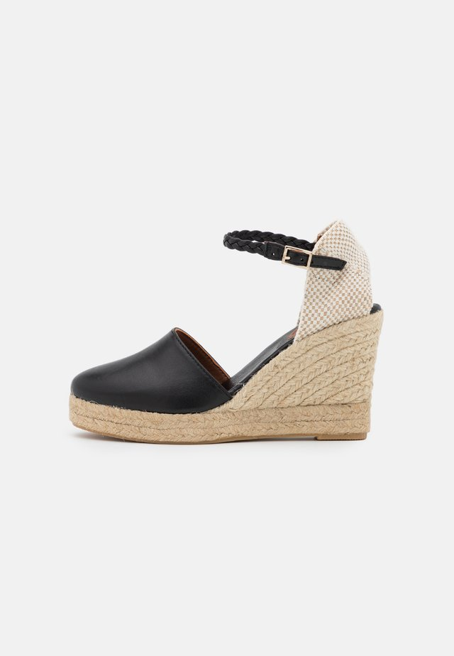 WEDGE - Korkeakorkoiset sandaalit - black