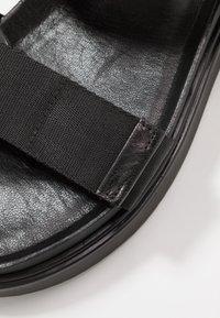 Vagabond - SETH - Sandals - black - 5