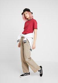 Kickers Classics - BOY TEE WITH TRIM - T-shirt imprimé - red - 1