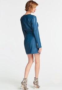 Guess - GUESS KLEID KUNSTLEDER - Day dress - blue - 1