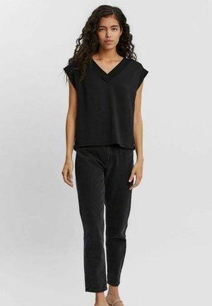 Weste - Basic T-shirt - black