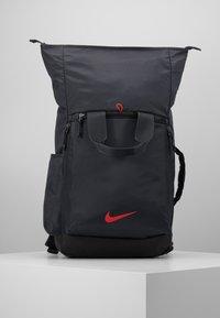 Nike Performance - VAPOR ENRGY - Reppu - smoke grey/black/ track red - 6