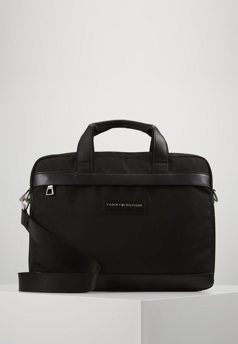 Tommy Hilfiger - UPTOWN COMPUTER BAG - Torba na laptopa - black