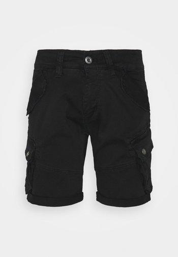 COMBAT - Shorts - black