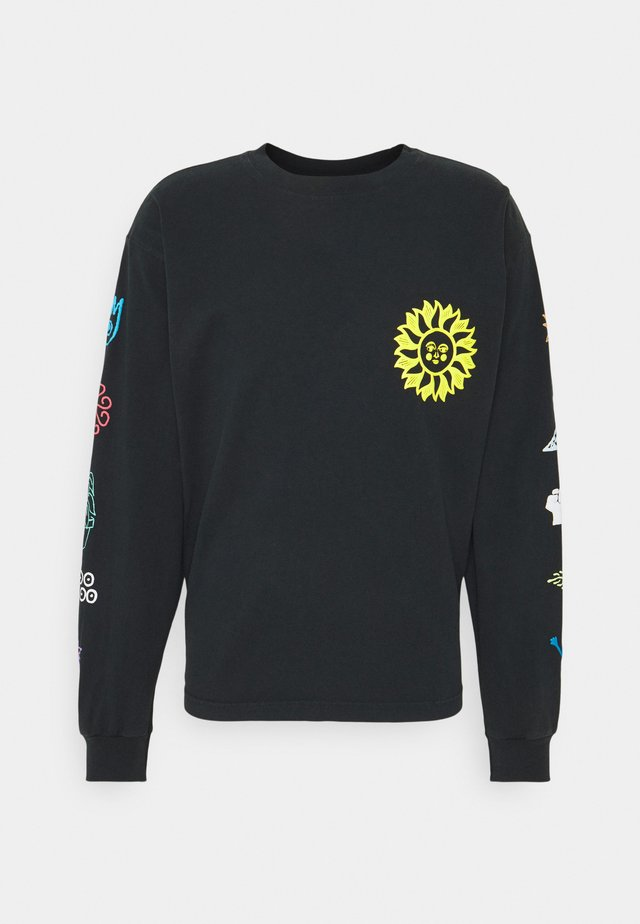 PEACE JUSTICE EQUALITY - Longsleeve - off black