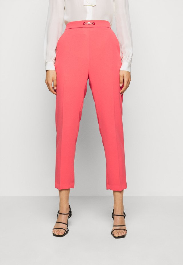 WOMEN'S PANTS - Kalhoty - amaranto