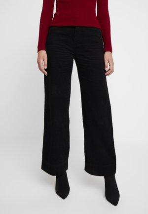 MAGAZINE PANT - Spodnie materiałowe - black