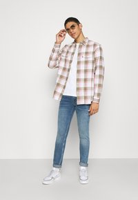 Levi's® - JACKSON WORKER - Overhemd - bleached datolite vetiver - 1