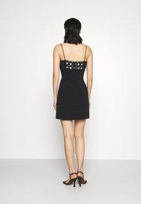 David Koma - FLOWER EMBROIDERY MINI CAMI DRESS - Robe de soirée - black - 2