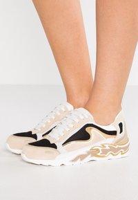 sandro - Sneakersy niskie - or - 0