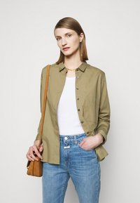 CLOSED - HAILEY - Button-down blouse - green umber - 3