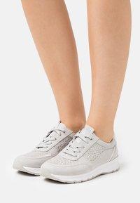 Jana - Trainers - light grey - 0