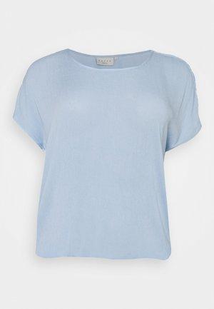 KCAMI STANLEY - Pusero - chambrey blue