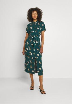 VMSIMPLY EASY LONG SHIRT - Košilové šaty - sea moss