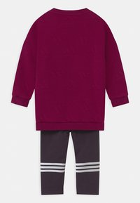 adidas Performance - FAVOURITES SET UNISEX - Tuta - berry/white - 1