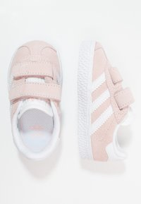 adidas Originals - GAZELLE - Sneakers laag - iced pink/footwear white - 0