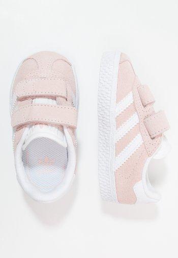 GAZELLE - Zapatillas - iced pink/footwear white