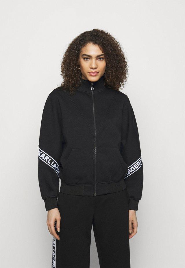 LOGO TAPE ZIP-UP - Zip-up hoodie - black
