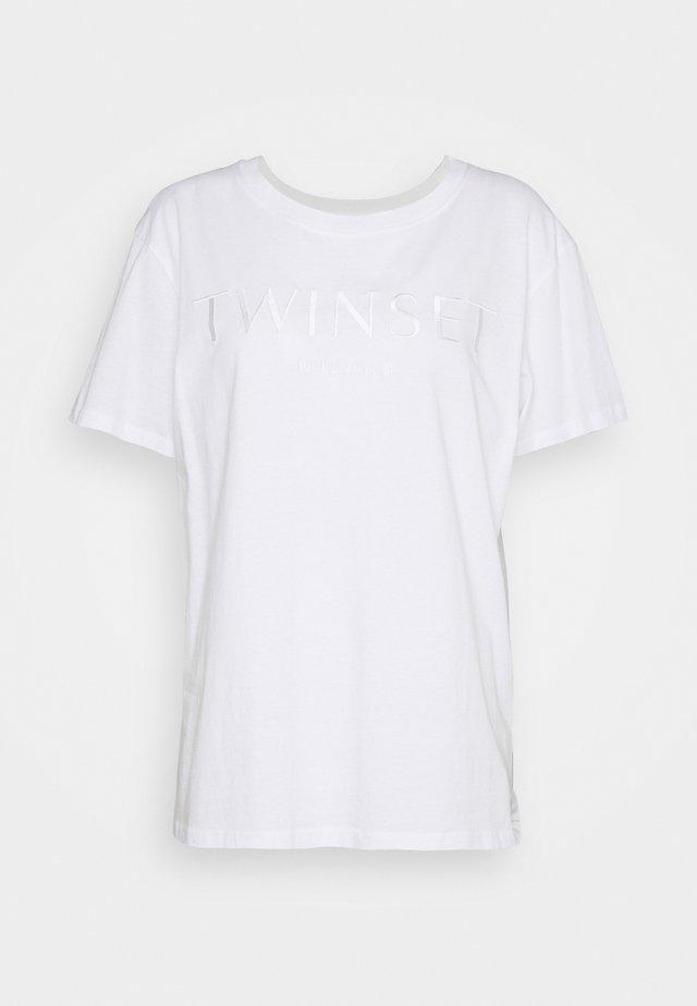 CON LOGO - T-shirt basique - bianco ottico