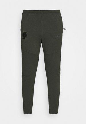 PORTUGAL FPF  PANT - Pantalones deportivos - sequoia/black