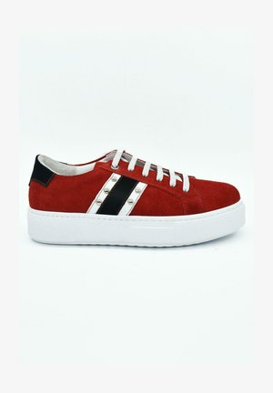 HAND MADE GENUINE  - Sneaker low - military red