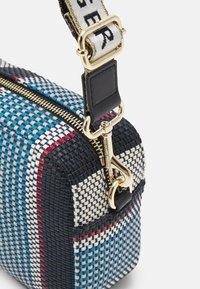 Tommy Hilfiger - ICONIC CAMERA BAG STRIPES - Handbag - blue - 4