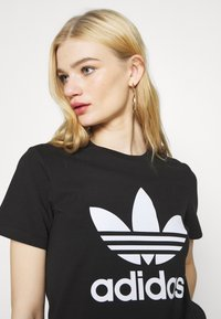 adidas Originals - TREFOIL TEE - Print T-shirt - black - 3