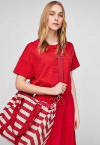 s.Oliver - Tote bag - red stripes - 1