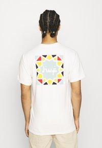 HUF - MOROCCAN TILE TEE - Print T-shirt - natural - 2