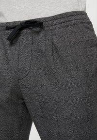 TOM TAILOR DENIM - JOGGER - Trousers - grey - 5