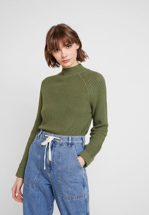 NMSIESTA HIGH NECK CROPPED - Neule - olivine