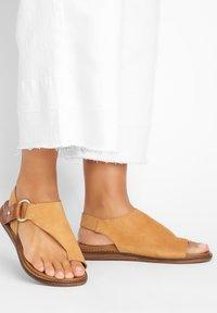 Inuovo - T-bar sandals - sd scissors csc - 0