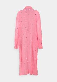 MANÉ - SEREN SHIRT DRESS - Sukienka koszulowa - coral/gold - 1