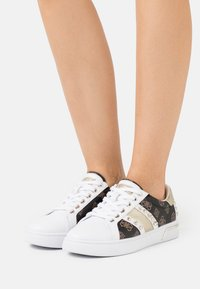 Guess - RICENA - Trainers - brown/platin - 0
