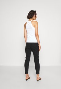NA-KD - MOM  - Jeans Tapered Fit - black - 2