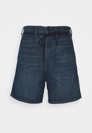 LINTELL SHORT - Denim shorts - worn in atoll blue