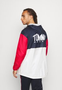 Tommy Hilfiger - ICON - Windbreaker - red - 2