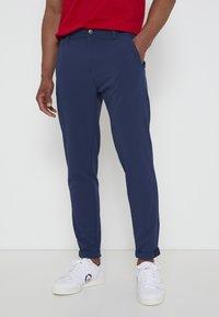 adidas Golf - PIN ROLL PANT - Kalhoty - crew navy - 0