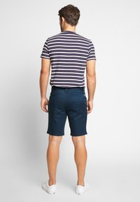 Farah - ORIGINAL - Shortsit - farah teal - 2