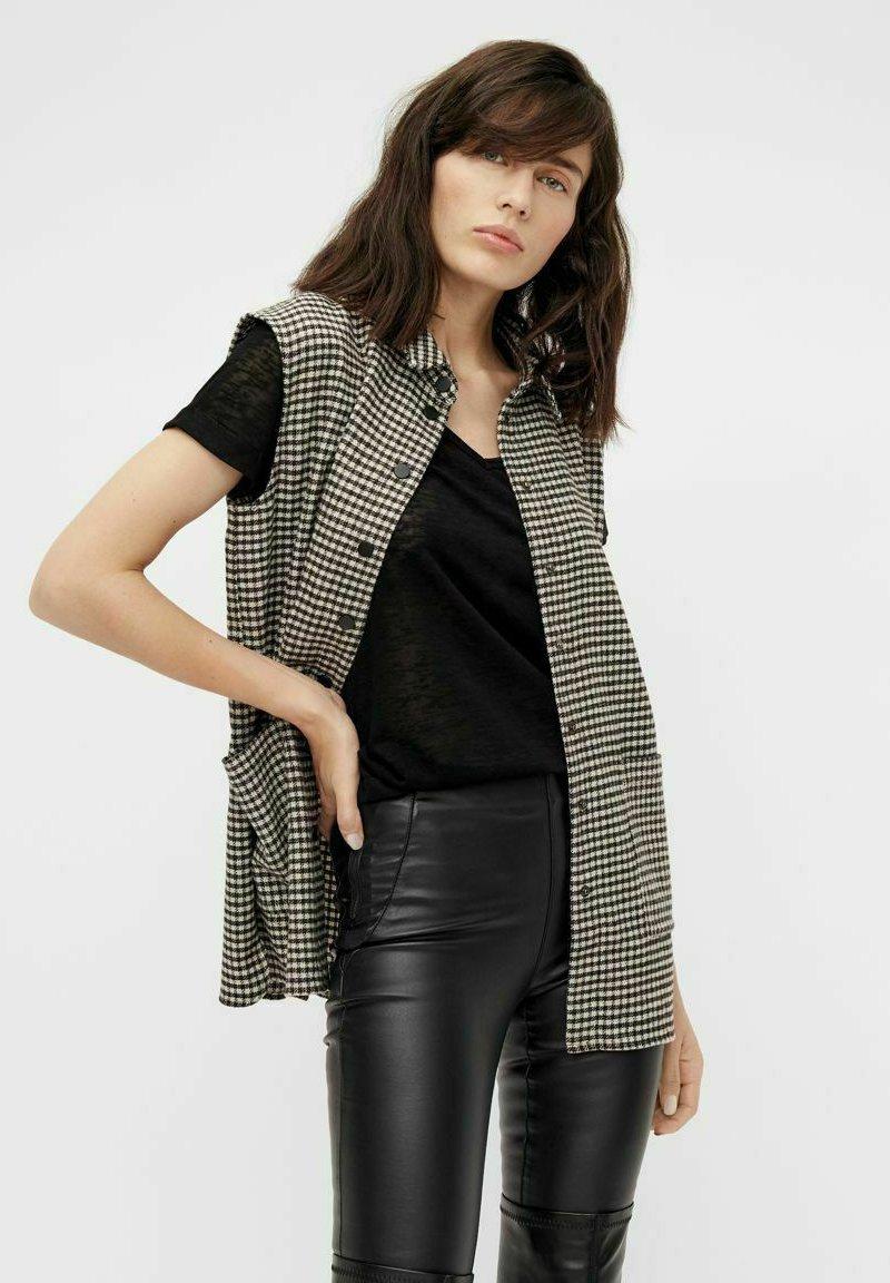 Object - Waistcoat - black