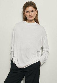 Massimo Dutti - BOYFRIEND - Sweatshirt - beige - 0