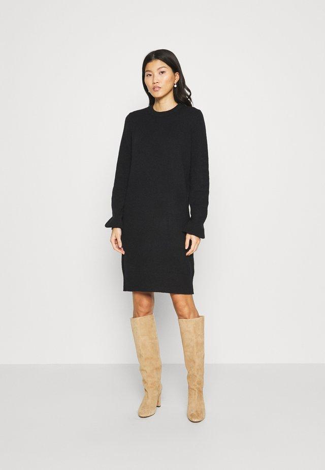 FITTED PUFFY - Strikket kjole - black
