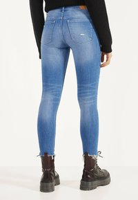 Bershka - Jeans Skinny Fit - blue-black denim - 2