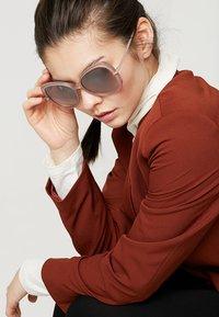 Jimmy Choo - Sunglasses - nude - 1