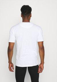 Newport Bay Sailing Club - 5 PACK - T-shirts basic - black/white/grey marl/khaki/navy - 2